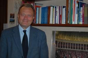 Christian Vanneste soutient l'emprunt lancé par le Président Sarkozy, à condition qu'il soit consacré à l'investissement